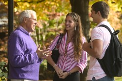 Ashland - Professor and Students Talking